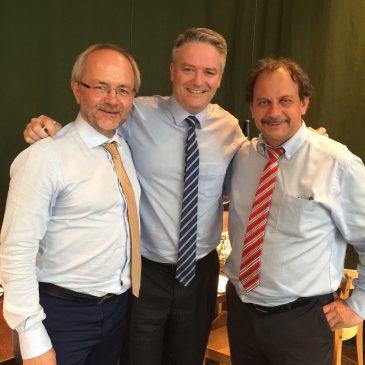 Australischer Finanzminister meets SiegRevision
